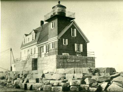 Historic image of lighthouse.